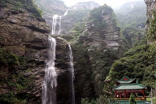 庐山三叠泉瀑布一日游 庐山旅游